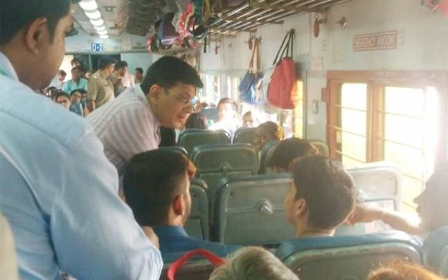 railwayministerpiyushgoyaldoesasurprisechecktakesfeedback