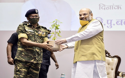HM Amit Shah praises security forces for their efforts to fight Covid-19