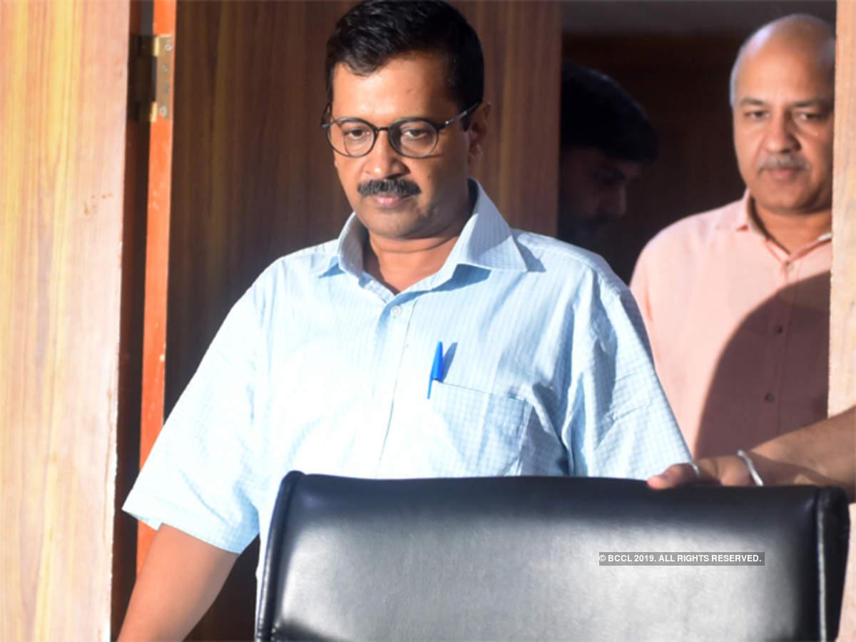 Delhi HC notice to Vijender Gupta on Arvind Kejriwal