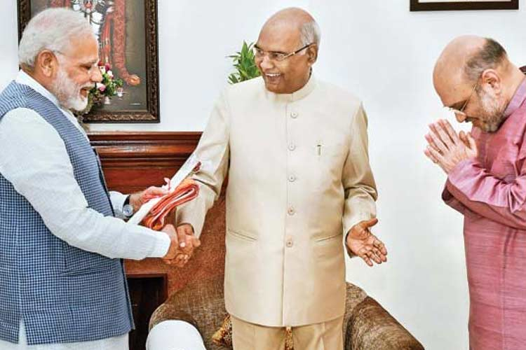 Vice President, Prime Minister greet President Ram Nath Kovind on his birthday