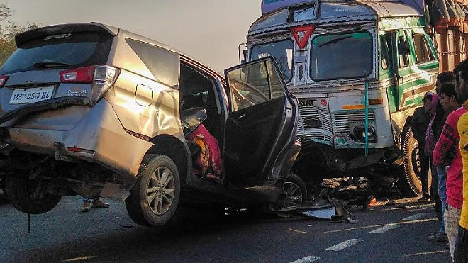 Four dead, six injured as SUV collides with truck in Madhya Pradesh: