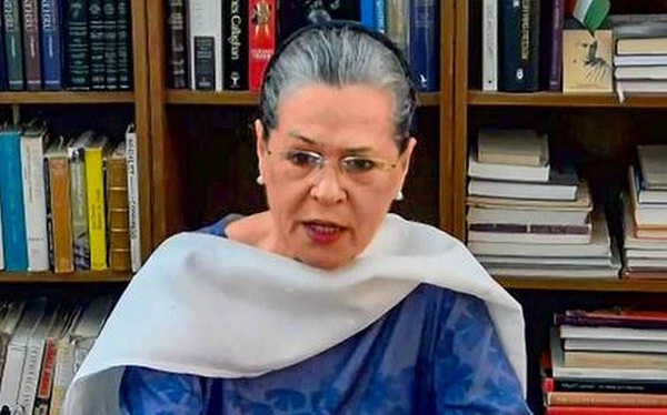 Sonia Gandhi Demands to Reduce COVID-19 Immunization Age Limit to 25 Years