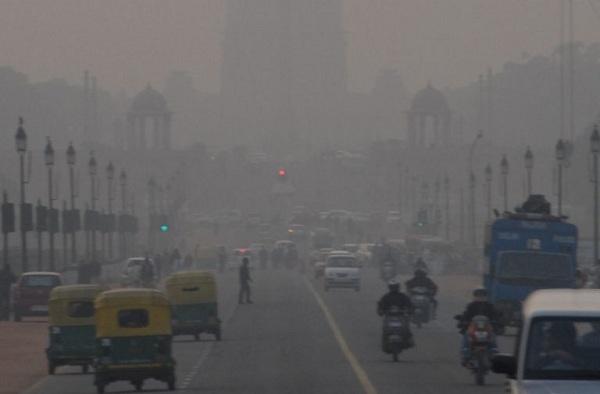 Delhi Govt. Appeals Delhiites To Switch Off Engines At Traffic Signals
