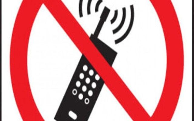 Mobile services snapped in Kashmir