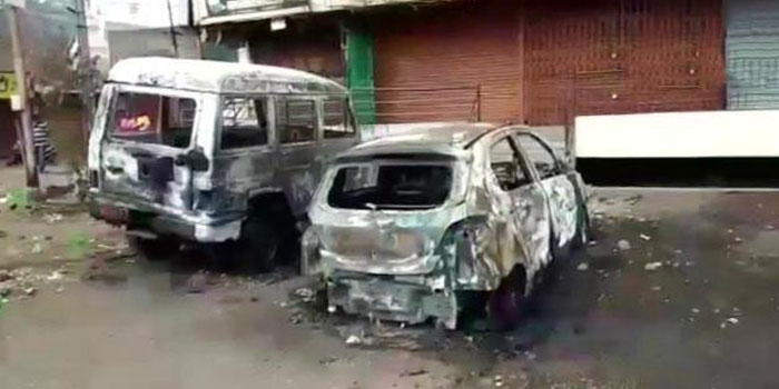 Two people were killed and 41 injured as members of two communities clashed in Aurangabad, Maharashtra.