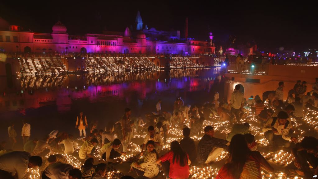 North Indian city breaks Guinness World Record with Diwali lamps