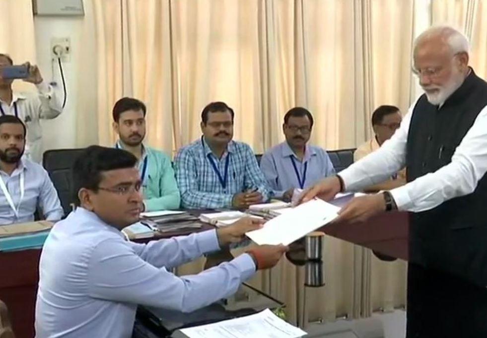 PM expresses gratitude, urges people of Varanasi to vote in huge number