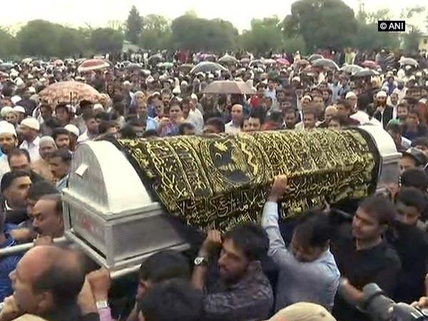 Hundreds of people tearful farewell to Rising Kashmir editor Shujaat Bukhari.