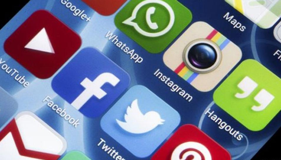 Govt proposes to bring changes in IT rules to curb misuse of social media