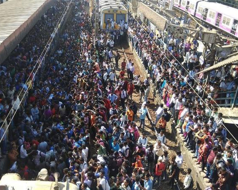 Pulwama attack: Protesters block rail tracks at Nalasopara
