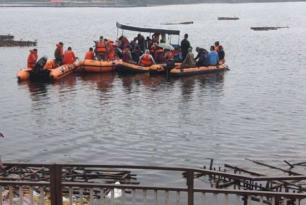 Toll in Andhra boat tragedy climbs to 12