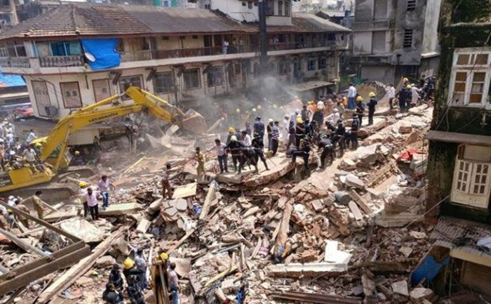 14 people rescued in Mumbai building collapse