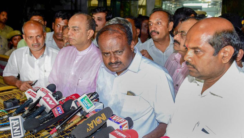 Karnataka Minister requested Kumaraswamy to announce 5-day work week
