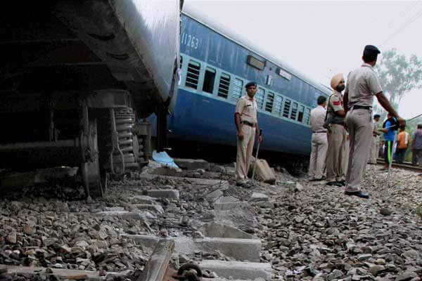 bhatindajodhpurpassengertrainderailsinrajasthan;12injured
