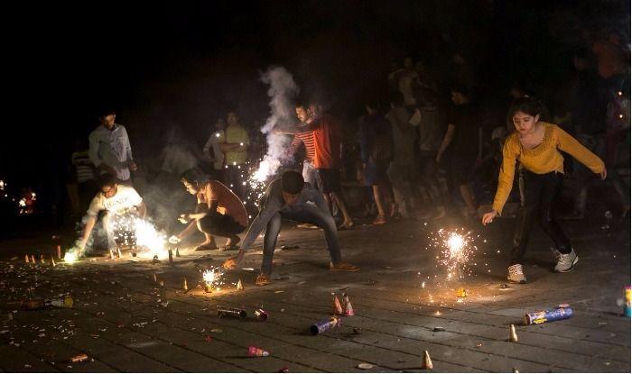 Diwali 2018: Delhi police registers 562 FIRs for bursting of crackers beyond deadline