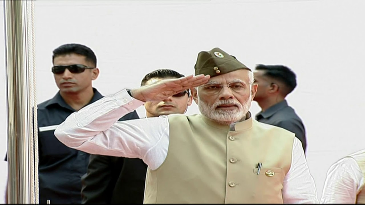 PM Modi hoists tricolour at Red Fort