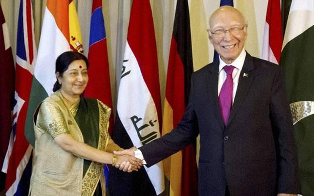 Sushma Swaraj to hold talks with Sartaj Aziz in Nepal
