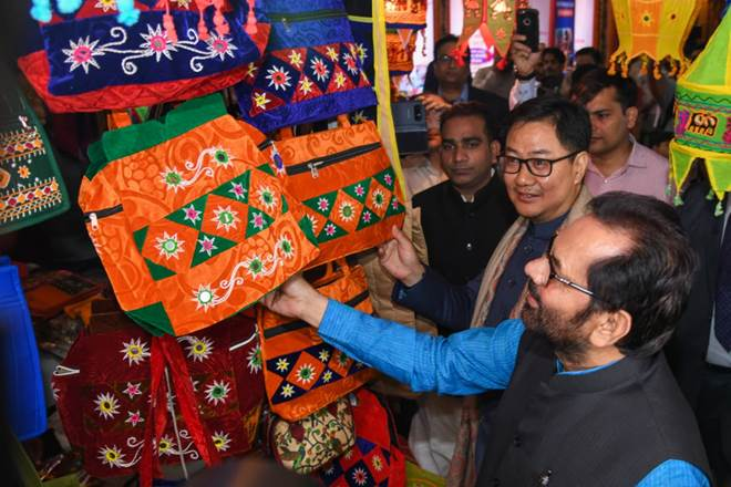 Mukhtar Abbas Naqvi inaugurates 'Hunar Haat' at Trade Fair in Delhi