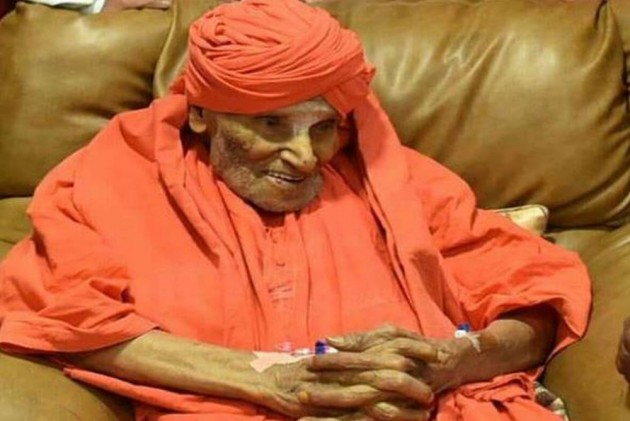 Siddaganga seer Shivakumara Swami passes away