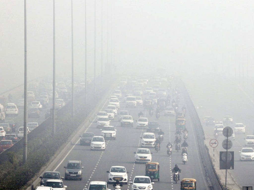 Air quality in Delhi remains in very poor category