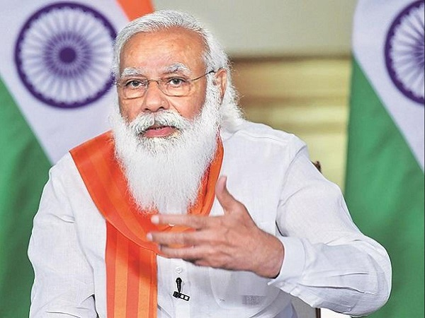Tea vendor sends Rs 100 to PM Modi to get his beard shaved, adds a message