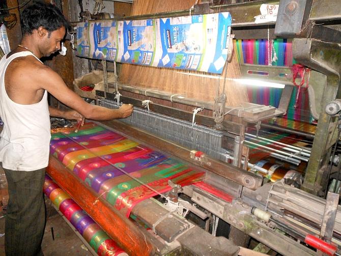 Weavers in varanasi shut down handlooms, powerlooms to protest against GST