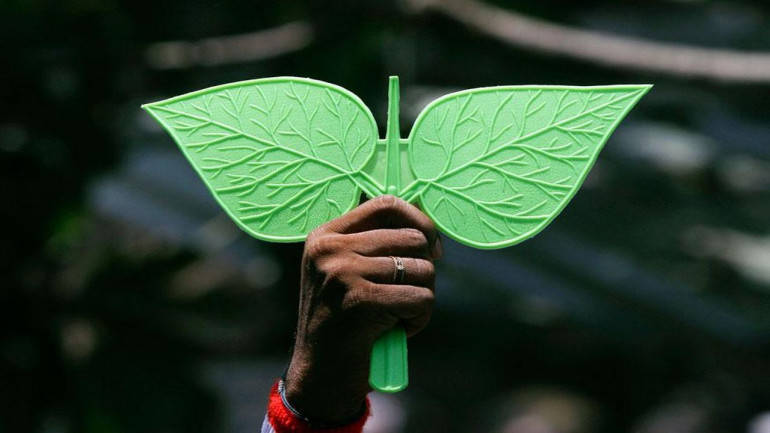 AIADMK clinches Lok Sabha poll deal with PMK