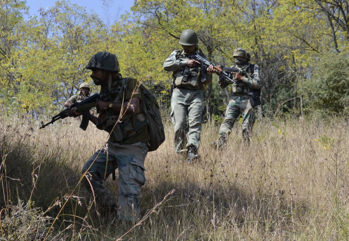 Kashmir: Terrorist killed in ongoing encounter in Tral