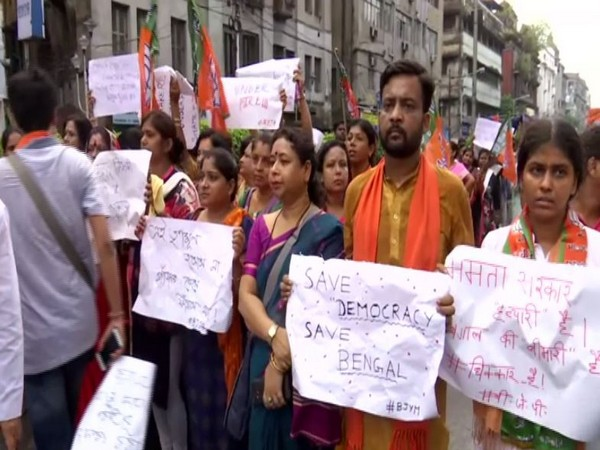 BJP workers stage protest, blame TMC government for Bhatpara clashes