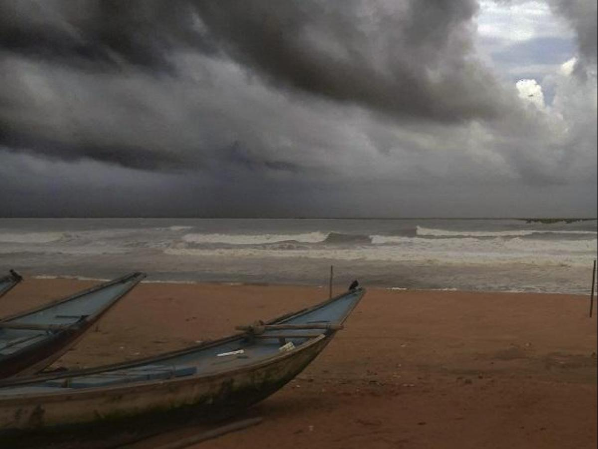 Cyclone Vayu to intensifies into very severe cyclonic storm
