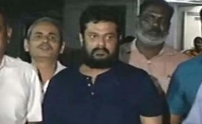 Filmmaker Madhan Arrested In Alleged Multi-Crore Scam In SRM University