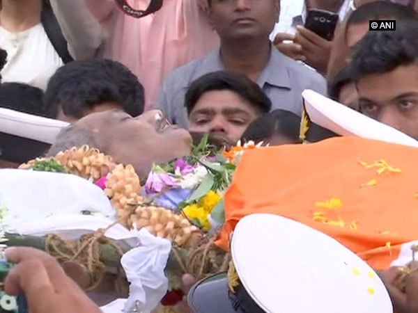 Mortal remains of Parrikar reaches BJP office in Goa