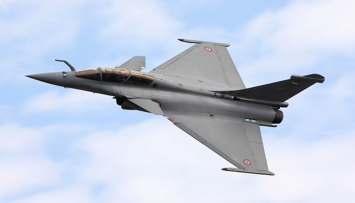 Modi govt compromised national security by reducing Rafale jets: Cong