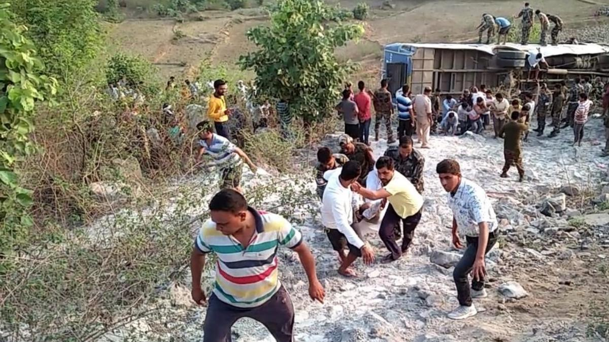 6 dead, as bus falls into gorge in Jharkhand