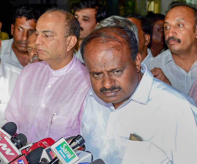 Karnataka CM HD Kumaraswamy to move SC for stay on floor test