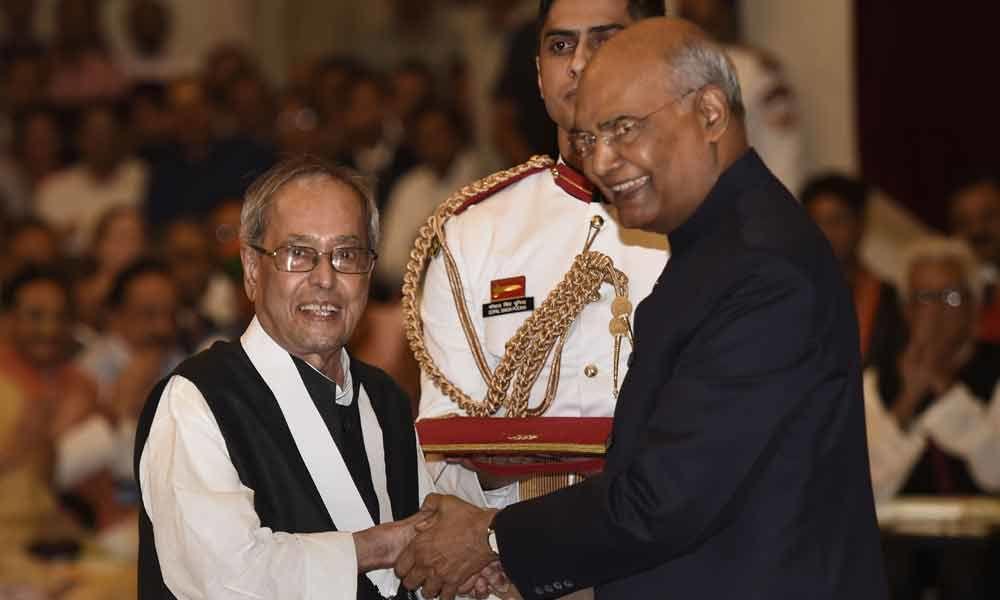President confers Bharat Ratna on Pranab Mukherjee