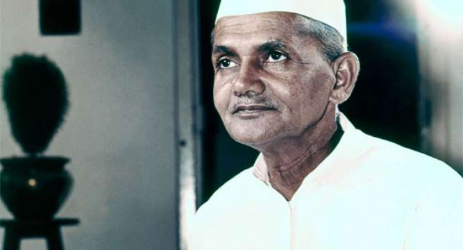 Nation pays homage to the former PM Lal Bahadur Shastri on his birth anniversary