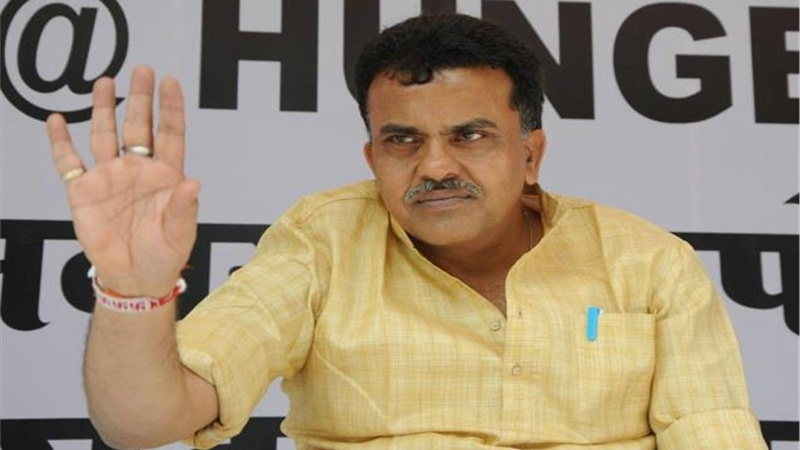 EC issues show cause notice to Sanjay Nirupam