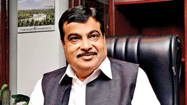 peopletoobeytrafficrulesinwakeofincreasingroadaccidents:nitingadkari