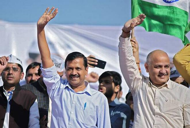 Delhi court stays non-bailable warrants against Kejriwal, Sisodia