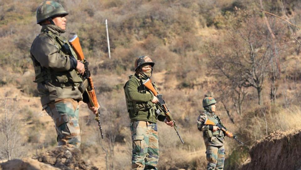 Pak troops shell border areas along LoC in Rajouri