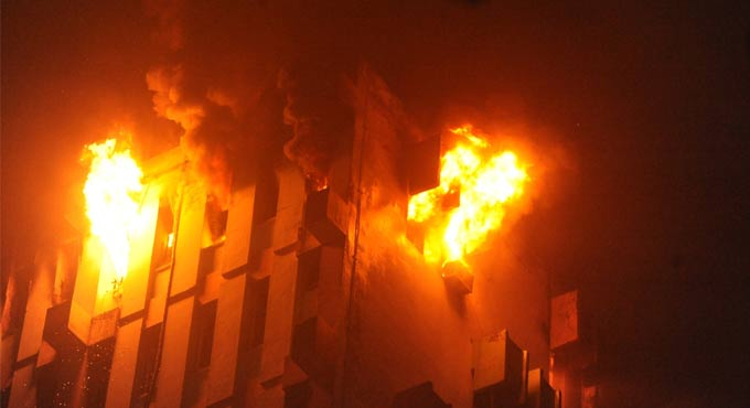 7 killed in Railway building fire in Kolkata