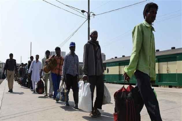 Pakistan releases 147 Indian fishermen
