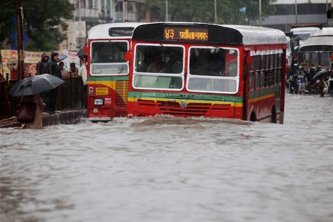 Mumbai and suburbs continue to receive heavy to very heavy rain