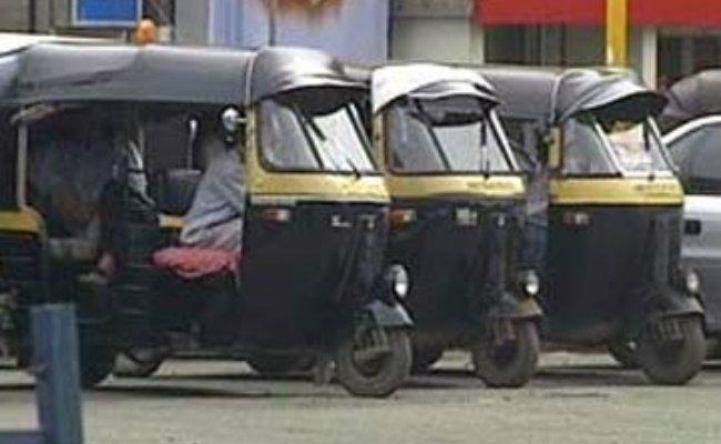 Autos go off roads in Mumbai today
