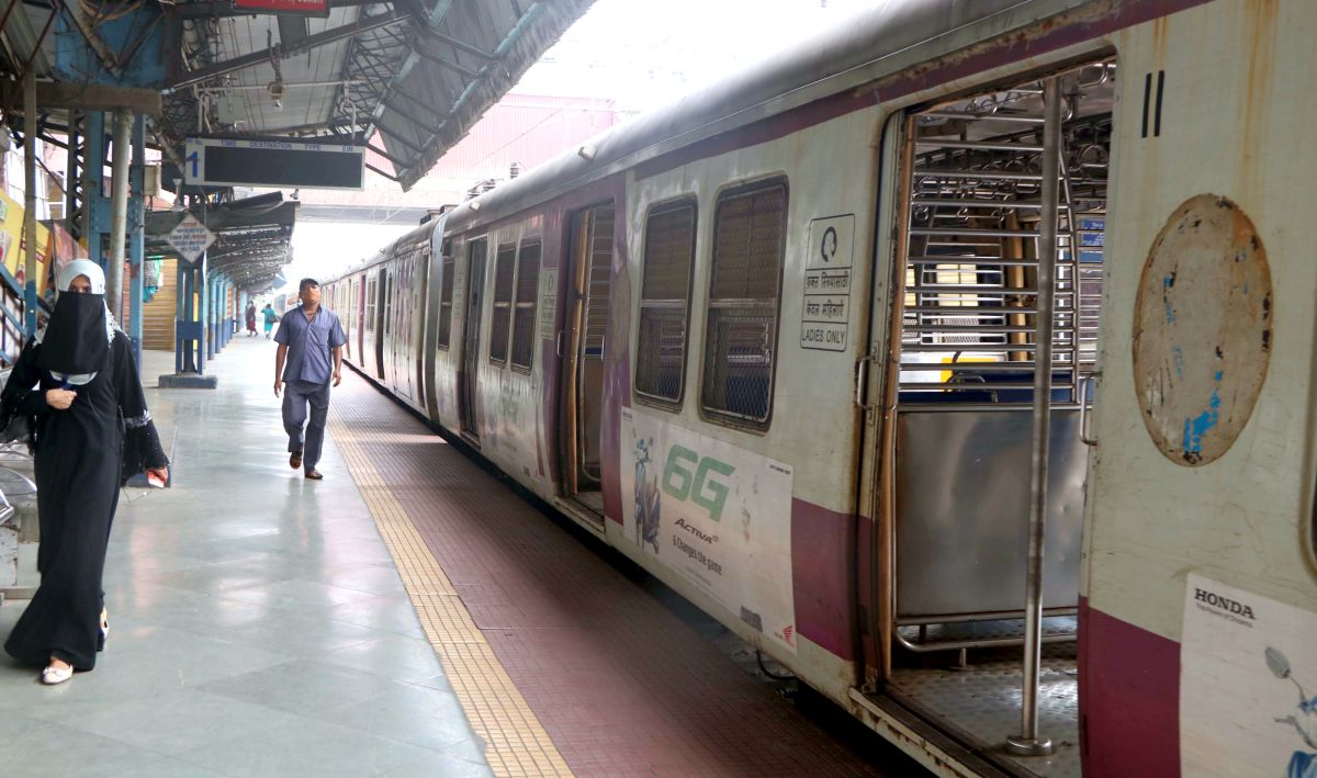 Central Railway and Western Railway to run 204 more local train services in Mumbai from Jan 29