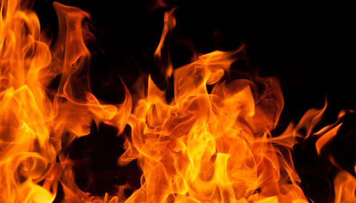 Fire breaks out at a garment shop in Delhi