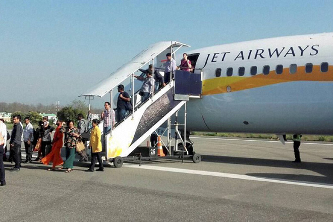 brusselsattacks:jetairwaysflightcarrying242passengerslandsindelhi
