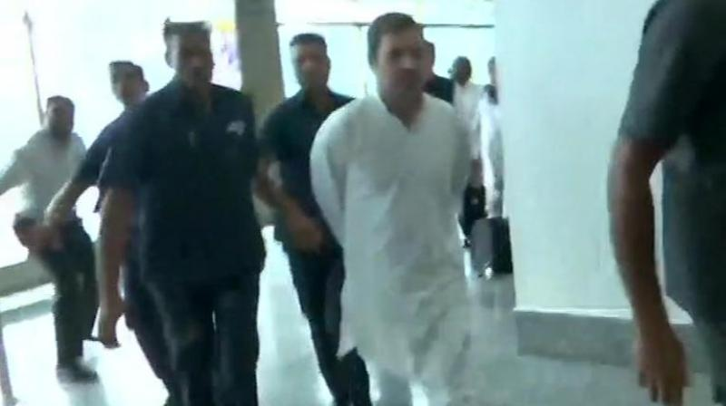 Rahul Gandhi, other Opp delegation sent back from Srinagar airport