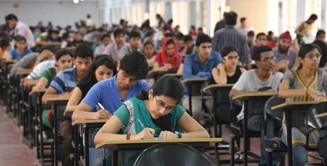 Govt considering NEET like entrrance test for engineering colleges